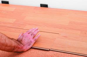 conseils de pose de parquet flottant comment poser son parquet flottant. Black Bedroom Furniture Sets. Home Design Ideas